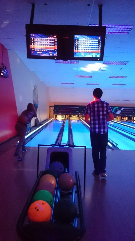 bowling action shot 1